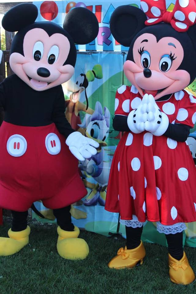 Valentine's Day Dance with Mickey and Minnie